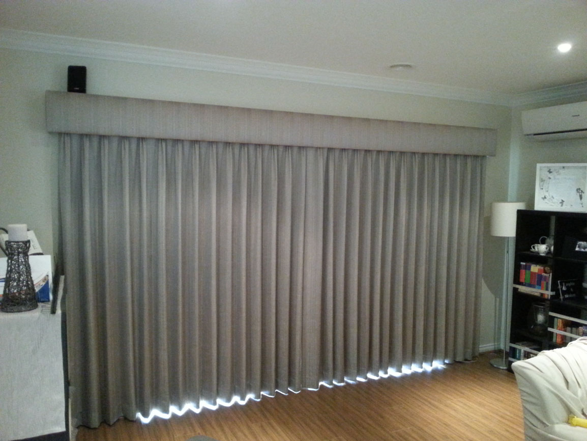 Pinch Pleated Lined Curtains with Pelmet