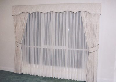 padded pelmet curtains sheers ties 001